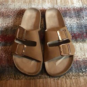 NWOT💫Brown/tan Slides!